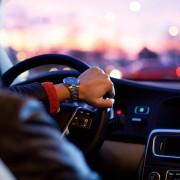 Noch vor wenigen Jahren bedeutete Sicherheit in der Automobilindustrie Unfall- und Diebstahlprävention. Heute sind Autos extrem komplexe Systeme, in denen mehrere Computer immer größere Datenmengen in Echtzeit austauschen.